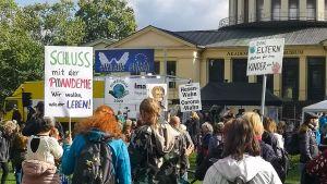 Querdenken jetzt auch in Bonn – aber nicht ohne Gegenwind