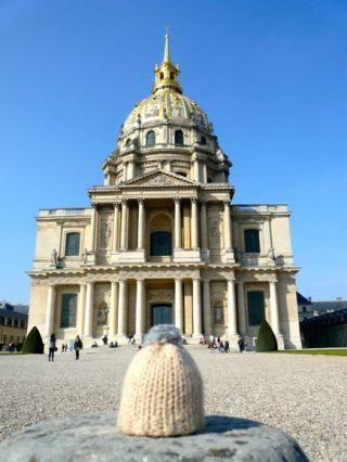 globe-t-bonnet-voyageur-travelling-winter-hat-paris-invalides2B