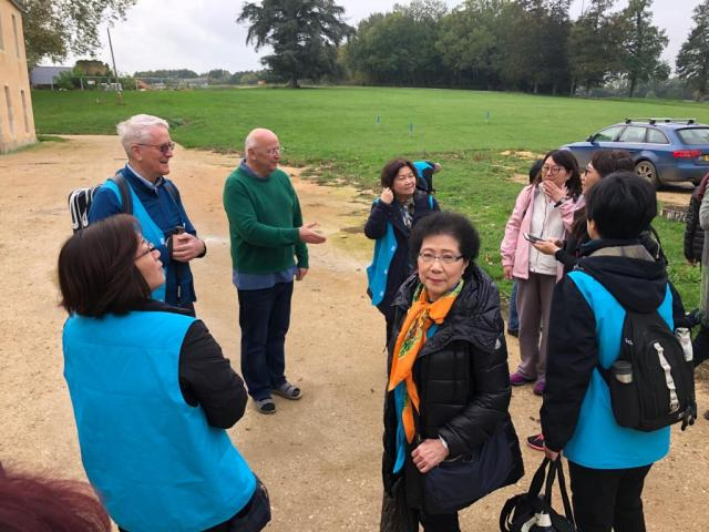 Hong Kong meditators arriving in Bonnevaux