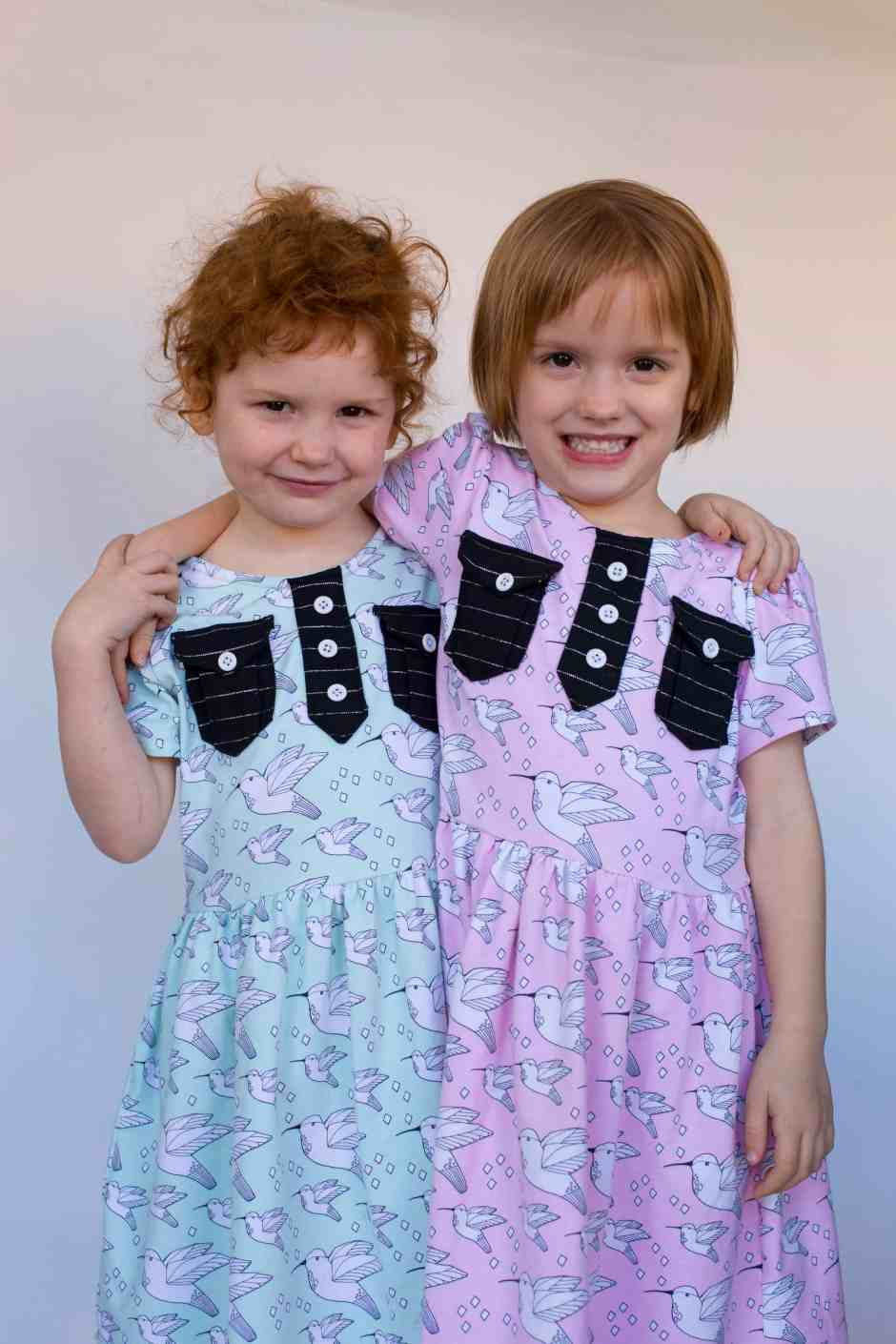 girls-twins-play-dress
