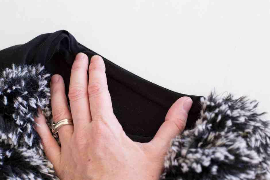 fur-vest-armscye-inside