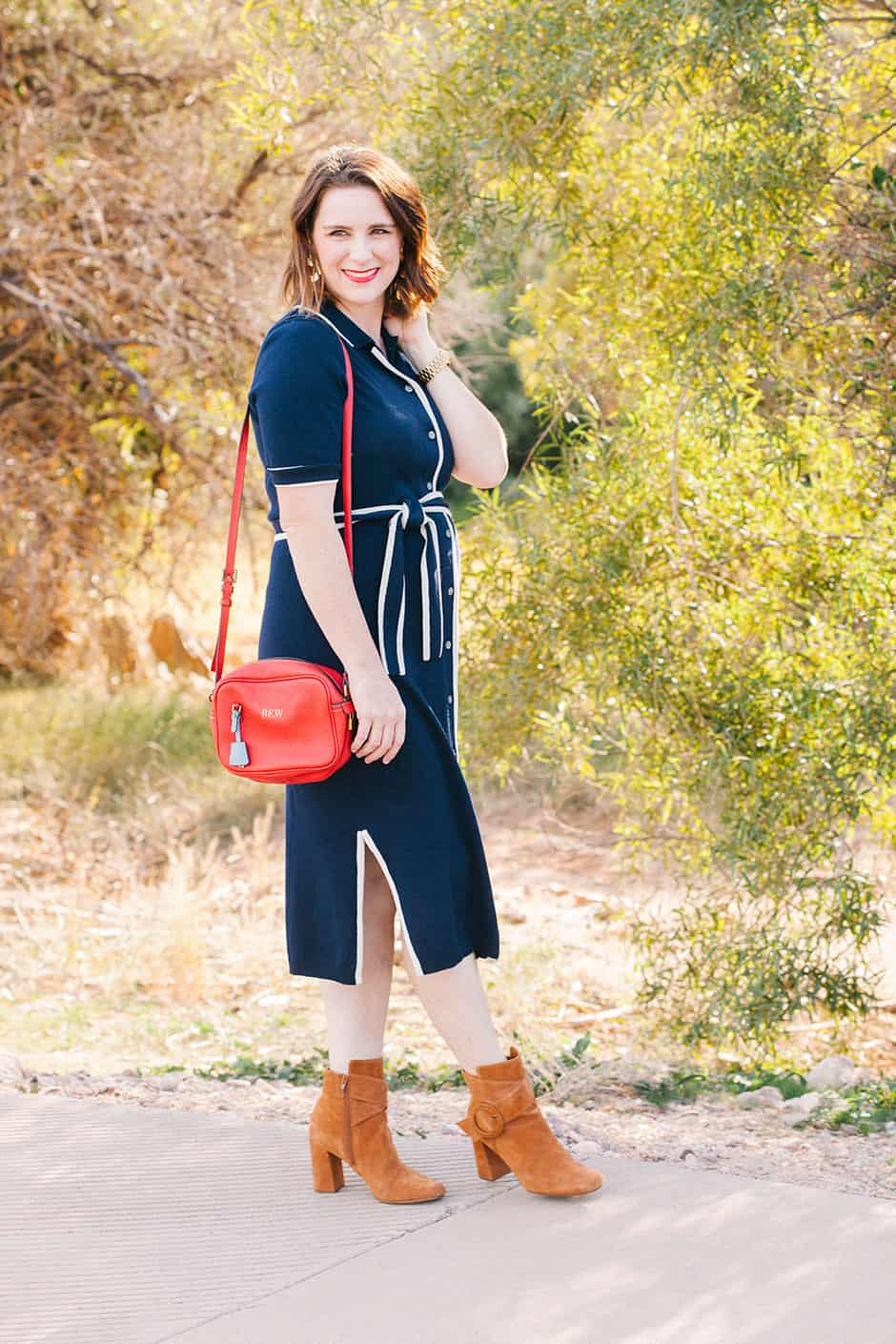 Dressing the bump can be a challenge in all stages of pregnancy but today we're talking about the second trimester! Check out this pregnancy fashion blog...
