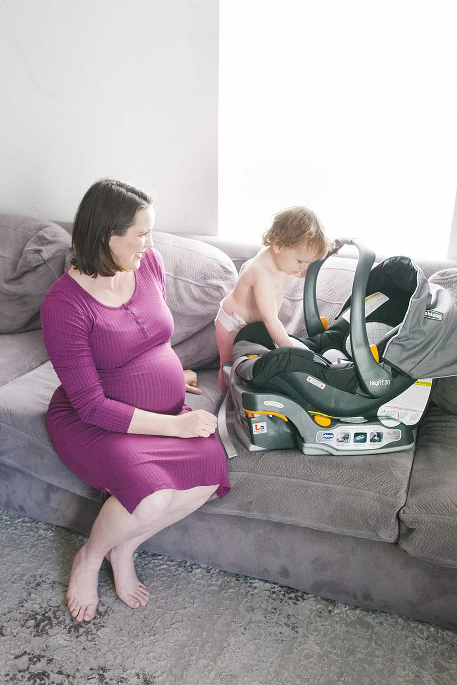 pregnant mom car seat baby
