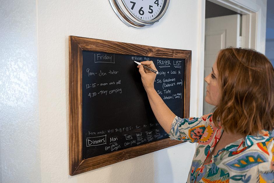 Daily schedule on blackboard