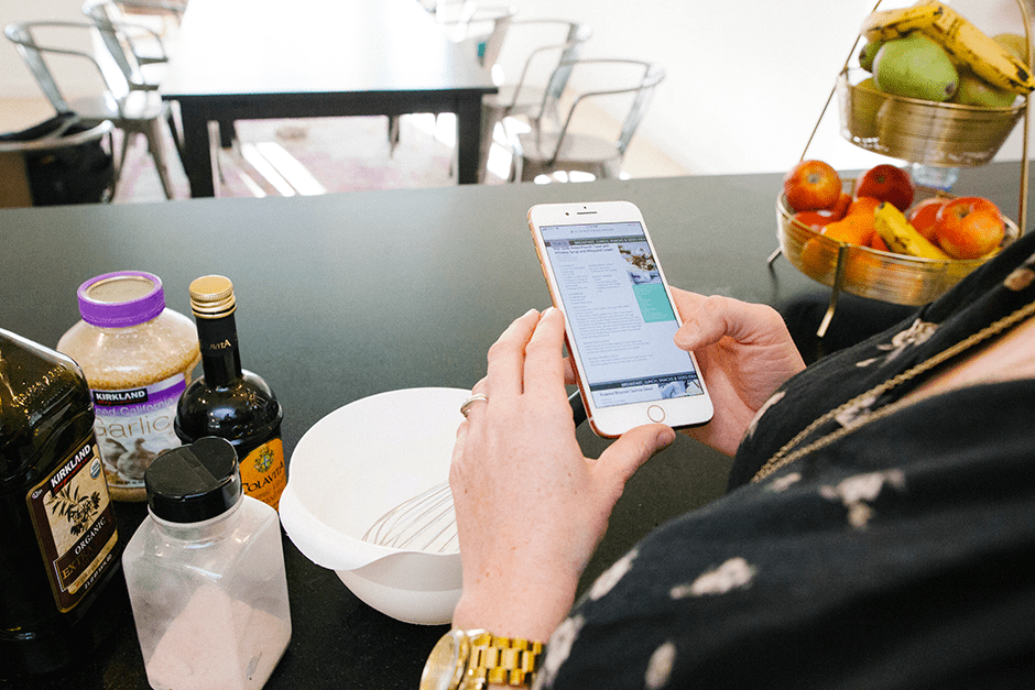 weekly family meal plan smartphone