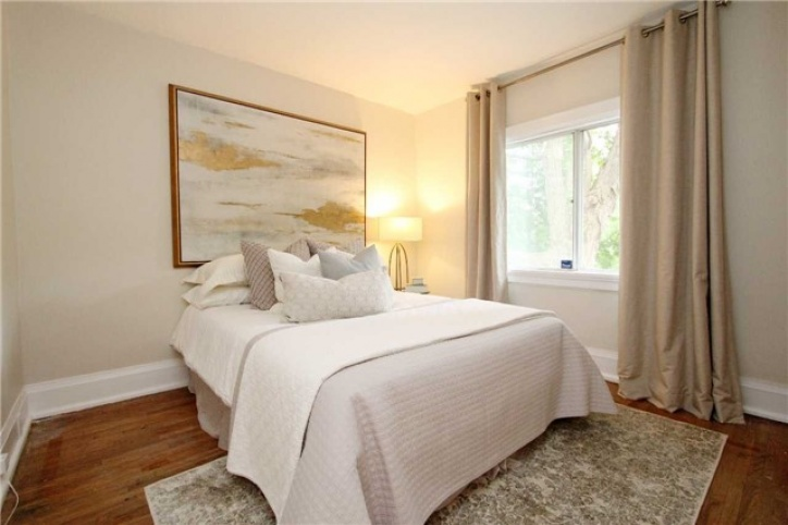 375 Belsize Drive, Toronto, 3 Bedrooms Bedrooms, ,3 BathroomsBathrooms,Semi-Detached,Sold,Belsize Drive,1014