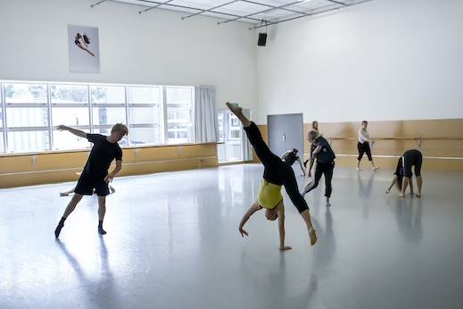 Contemporary Dance with Bonnie Curtis
