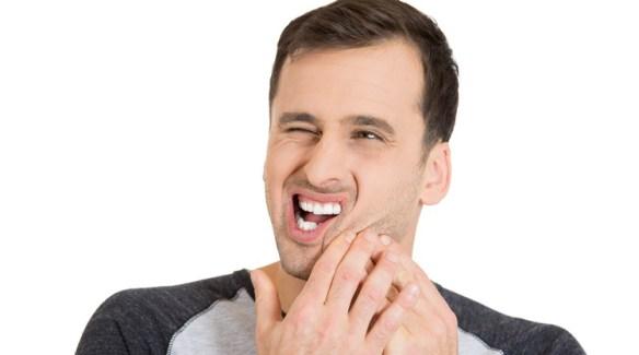 mouth-ulcer-honey