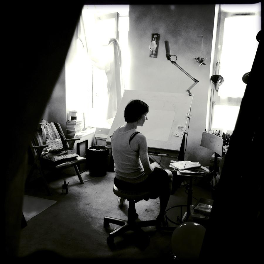 Céline Guichard dans son atelier - Photo Alain François