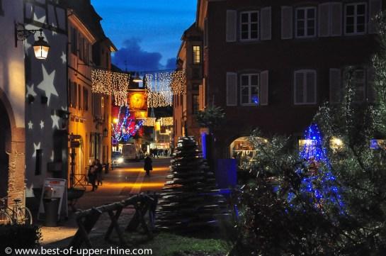 Noel 2012 à Selestat. Sapins en habits de lumière et décors de rues.