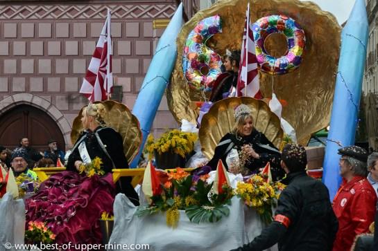 Carnaval de Mulhouse. Défilé du 60e anniversaire. Le char de la reine du Carnaval.
