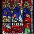 Partie de vitrail médiéval représentant la Nativité. Nef de la cathédrale de Strasbourg.