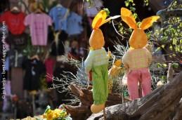 Couple de lièvres de Pâques à Riquewihr