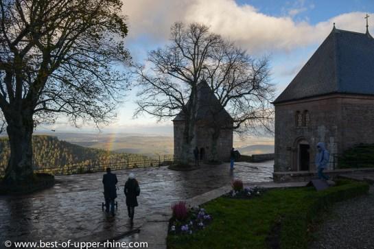 Le monastère du Mont Sainte-Odile. Terrasse avec vue sur la plaine d'Alsace