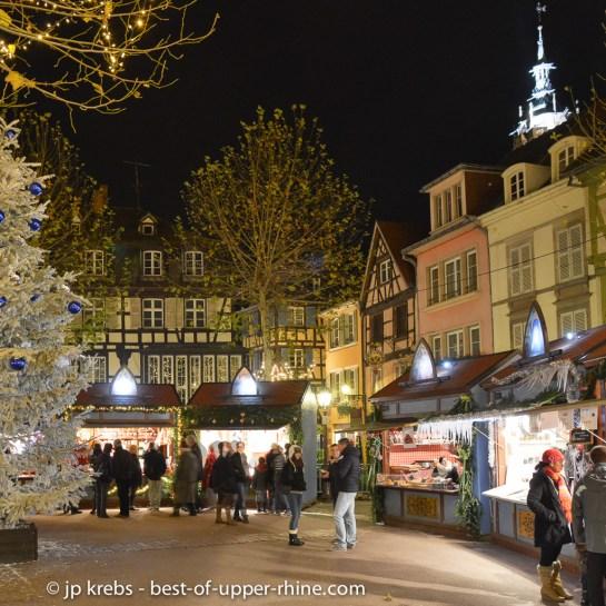 Marché de Noël de la place des Dominicains à Colmar.
