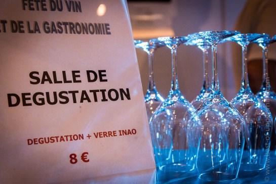 Pour le modique forfait de 6 € + 2 € pour l'achat du verre de dégustation, les fans de grands vins avaient accès à la salle de dégustation