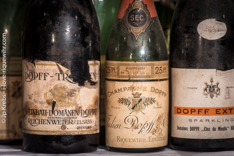 Champagne Dopff et Sekt (dénomination allemande pour un vin effervescent de qualité produit selon la méthode champenoise).