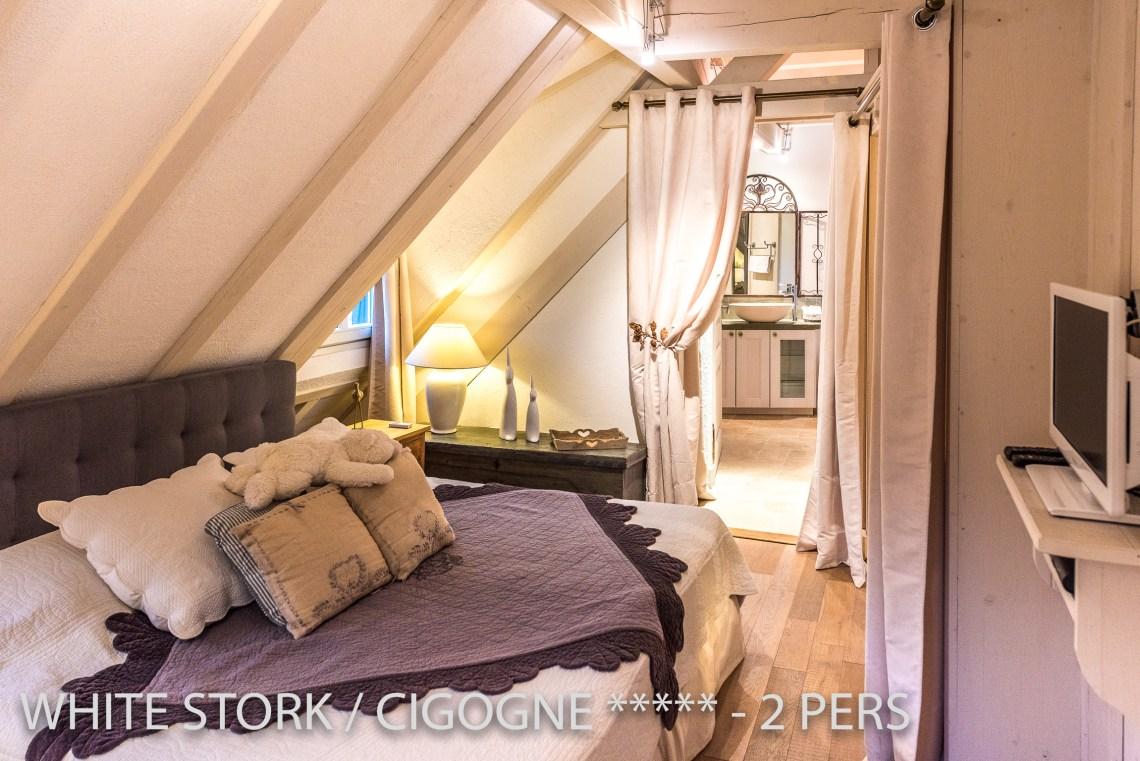La Cigogne à riquewihr - appartement 5 étoiles vue sur la chambre et la salle de bain