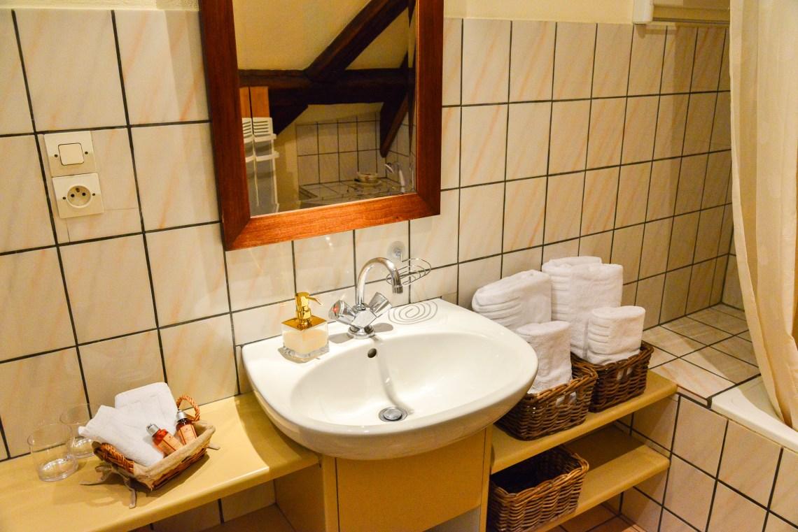 Le Klevner à riquewihr - appartement en duplex la salle de bain