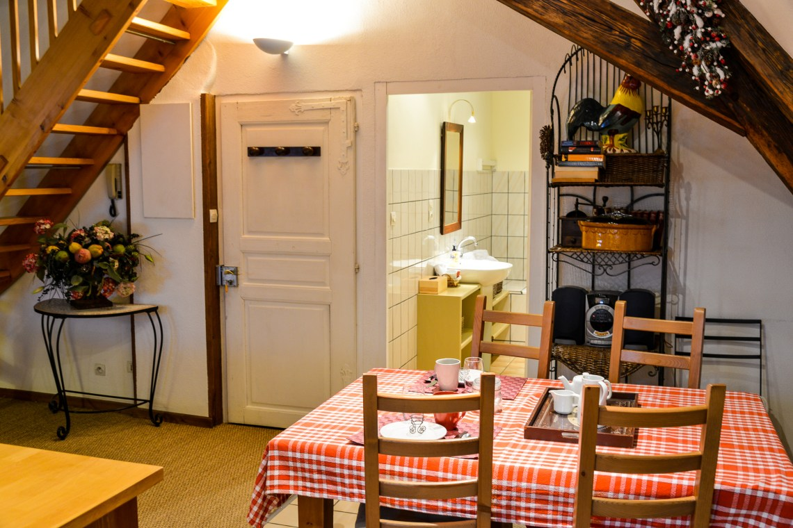 Le Klevner à riquewihr - appartement en duplex l'espace repas