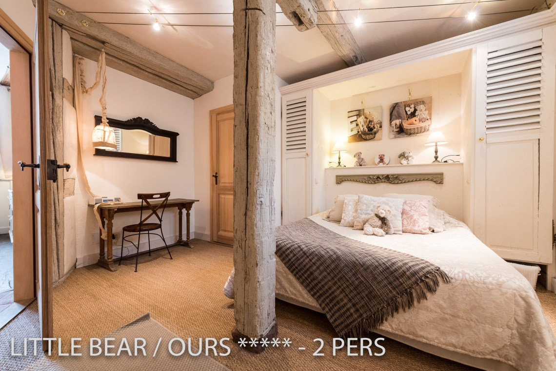 L'ours à riquewihr - appartement 5 étoiles vue de la chambre