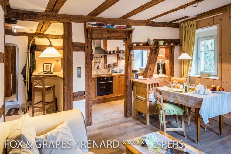 Le Renard et les Raisins à riquewihr - appartement 5 étoiles vue sur la cuisine