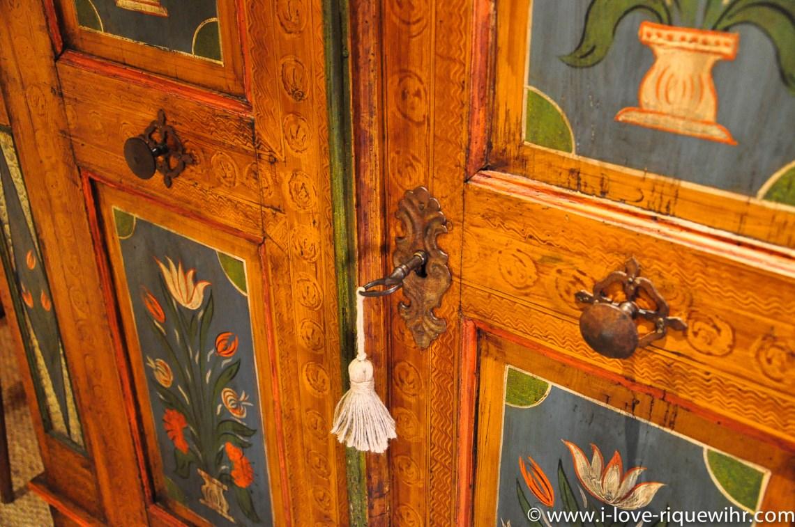 Le Riesling à riquewihr - appartement 5 étoiles armoire alsacienne