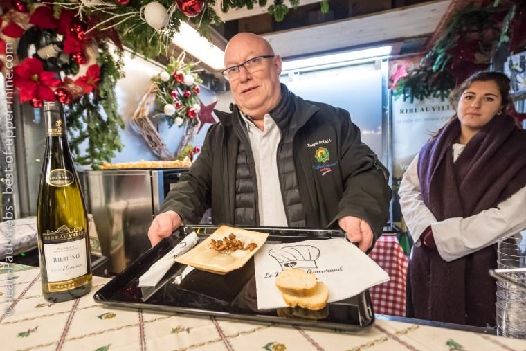 Notre ami Joseph Leiser, chef bien connu de l'Auberge du Zahnacker à Ribeauvillé, nous fait déguster son œuf parfait Alsace, girolles et crème de parmesan servi avec un riz basmati accompagné d'un grand vin de la cave de Ribeauvillé.