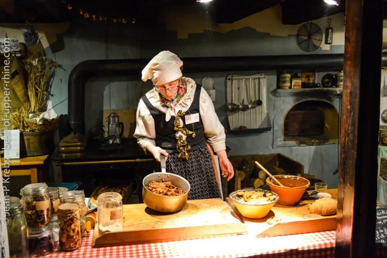 A l'Ecomusée d'Alsace, on sait cuisiner comme autrefois.