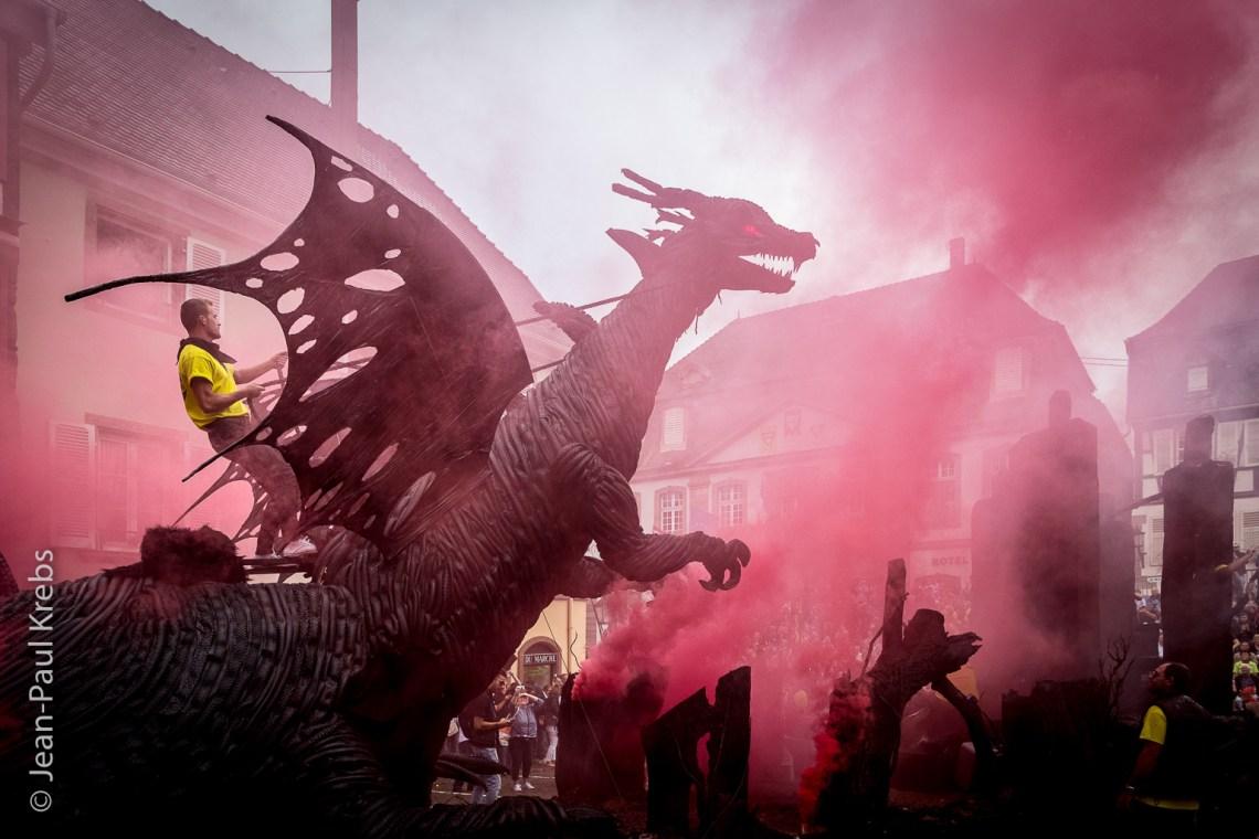 """Le célèbre Dragon fut déclaré """"plus beau char"""" du Pfifferdaj en 2017."""