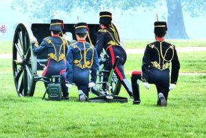 gun salute hyde park