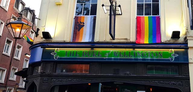 duke-wellington-pub-gay-londres