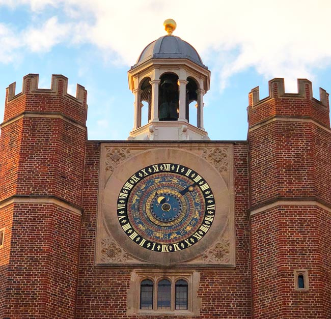 Hampton-court-palace-horloge-astronomique