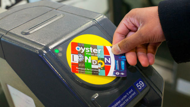 Visitor-oyster-card-badge