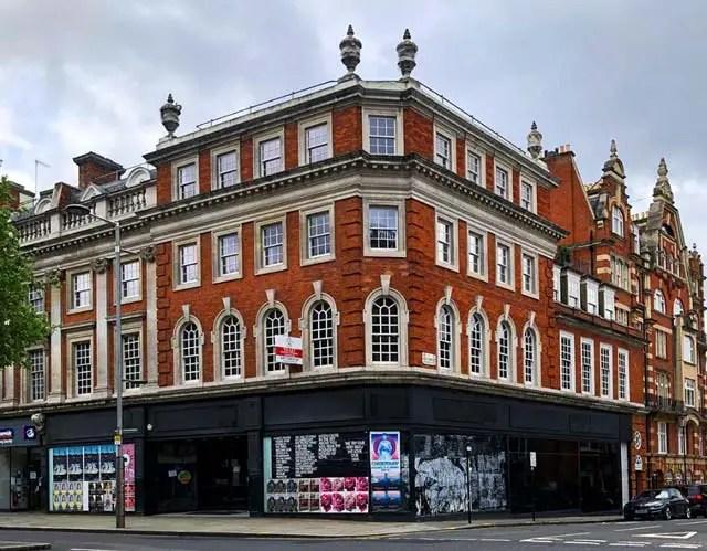 Kensington-High-Street