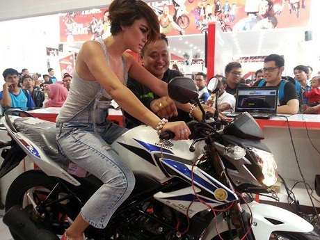 Lady-bikers-Test-Dyno-CBSF