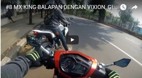 Vidio MX King Adu Balap dengan V-ixion
