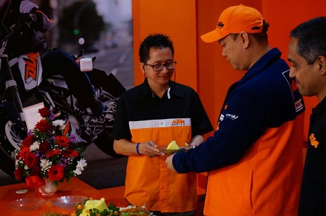 launch dealer ktm kebon jeruk