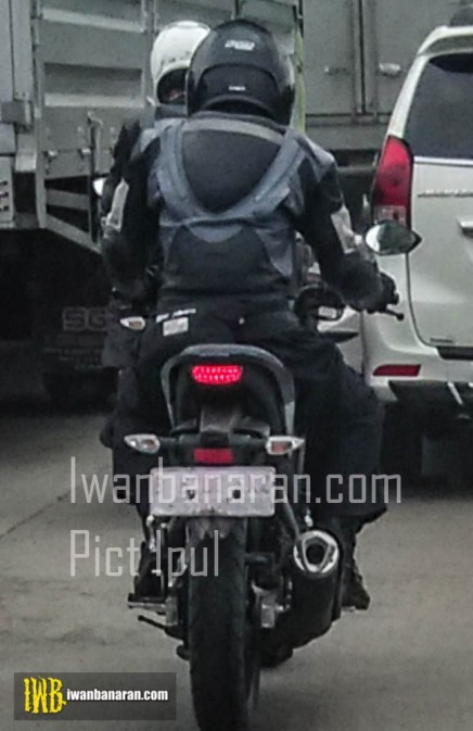 spy shot new V-ixion 2017