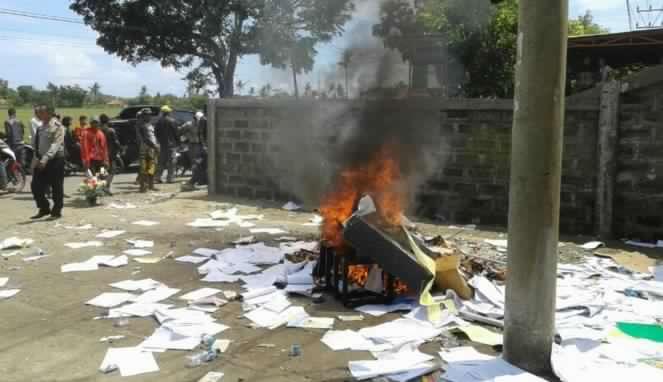 Debt Collector Kejar Nasabah Hingga Jatuh dan Tewas Kantorpun Dibakar Massa