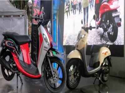 New Fino 125 Blue Core Vs All New Honda Scoopy