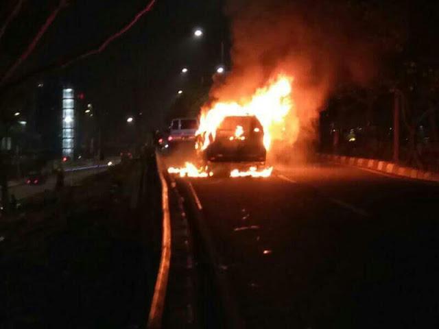 mobil mledak di cawah pada acara tabligh akbar habib rizieq