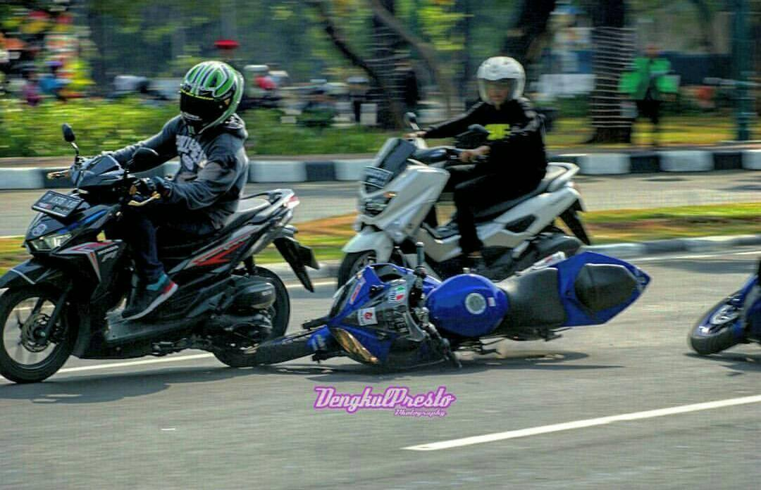 Knee Down Di Monasco Lalu Crash (1)