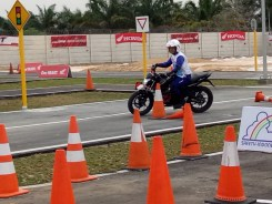 Mega Gallery Foto The 12th Astra Honda Safety Riding Instructor Competition (AH-SRIC) 2018 Day 1 (10)