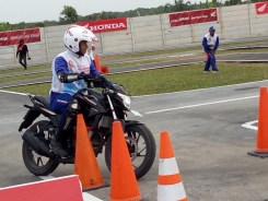 Mega Gallery Foto The 12th Astra Honda Safety Riding Instructor Competition (AH-SRIC) 2018 Day 1 (11)