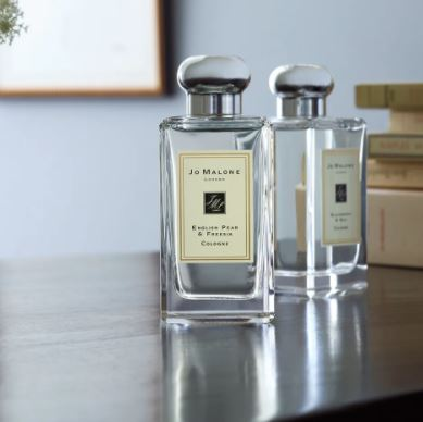 You are currently viewing Echantillon gratuit English Pear & Freesia