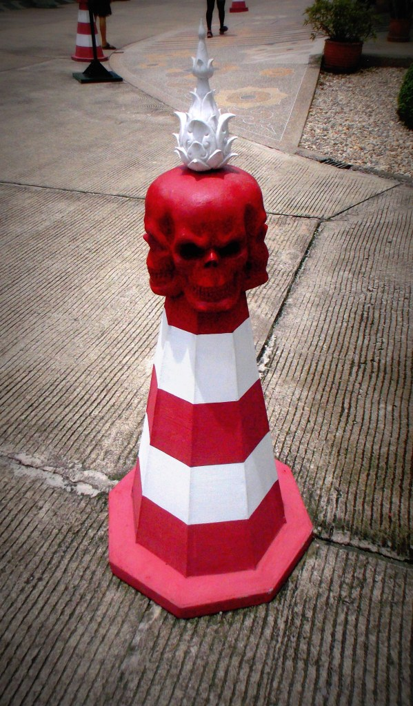 Temple-Blanc-Cone-Rouge