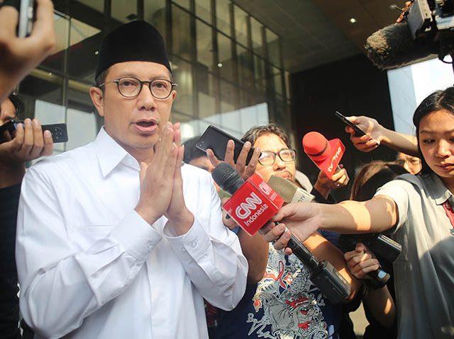 Menag Lukman Hakim Saefuddin usai menjalani pemeriksaan di KPK, Jakarta, Kamis (23/5/19). Menag diperiksa terkait kasus suap seleksi jabatan di Kemenag. (FEDRIK TARIGAN/ JAWA POS)