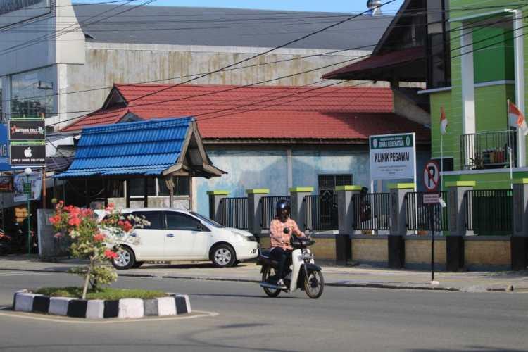 Parkir Badan Jalan Farezza Afia (1) Copy