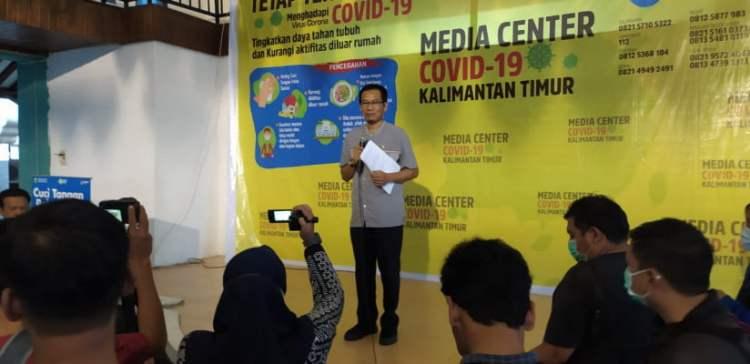Konferensi pers di Kantor Dinas Kesehatan Kalimantan Timur, terkait 6 orang lagi yang terinfeksi virus korona. (selasar)